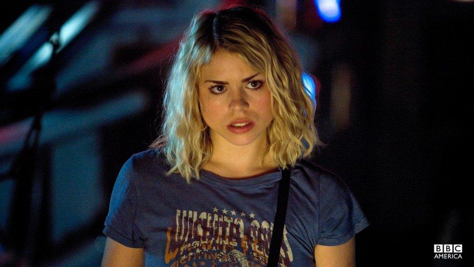 Rose Tyler ist später schwer in den Doctor verliebt.