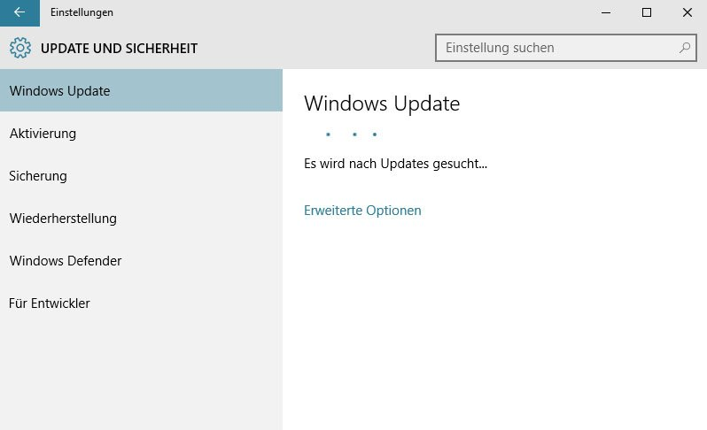 Windows 10 sucht nach Updates für Funktionen und installierte Programme.