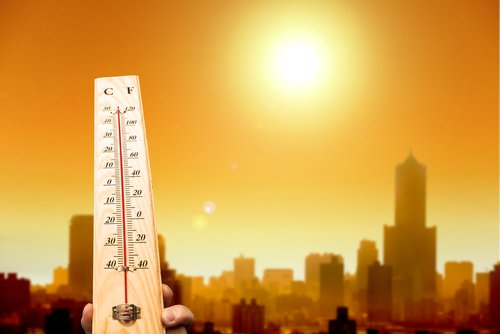 Hitzefrei heute? Wann geht es in Schule, Büro und Co. nach Hause?