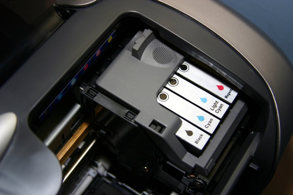 Printer ink cartridges in situ