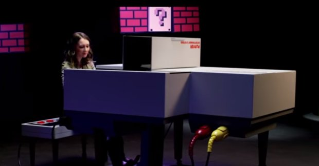 Super Mario: Theme-Medley auf krassem Piano im NES-Design