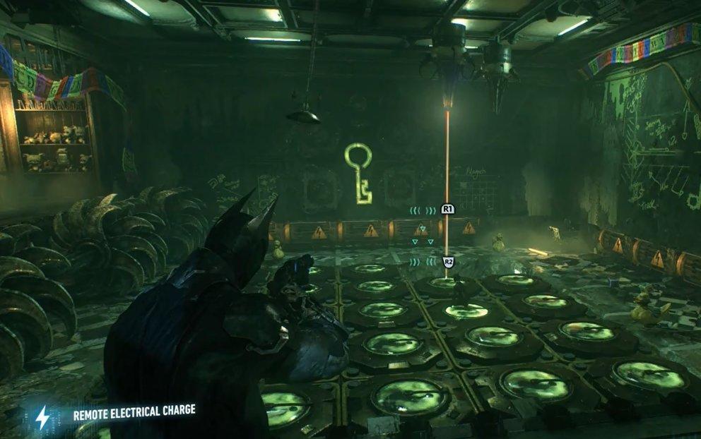 Blockiert mit Catwoman einzelne Würfel und legt mittels Distanz-Stromladung Löcher für die Laser frei.