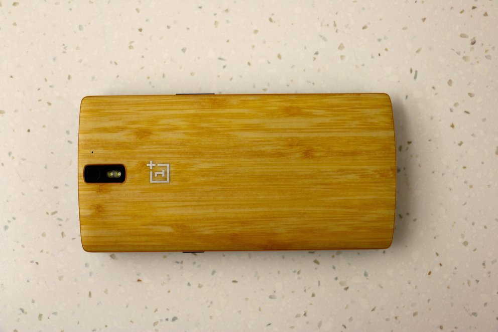 oneplus-back-hype