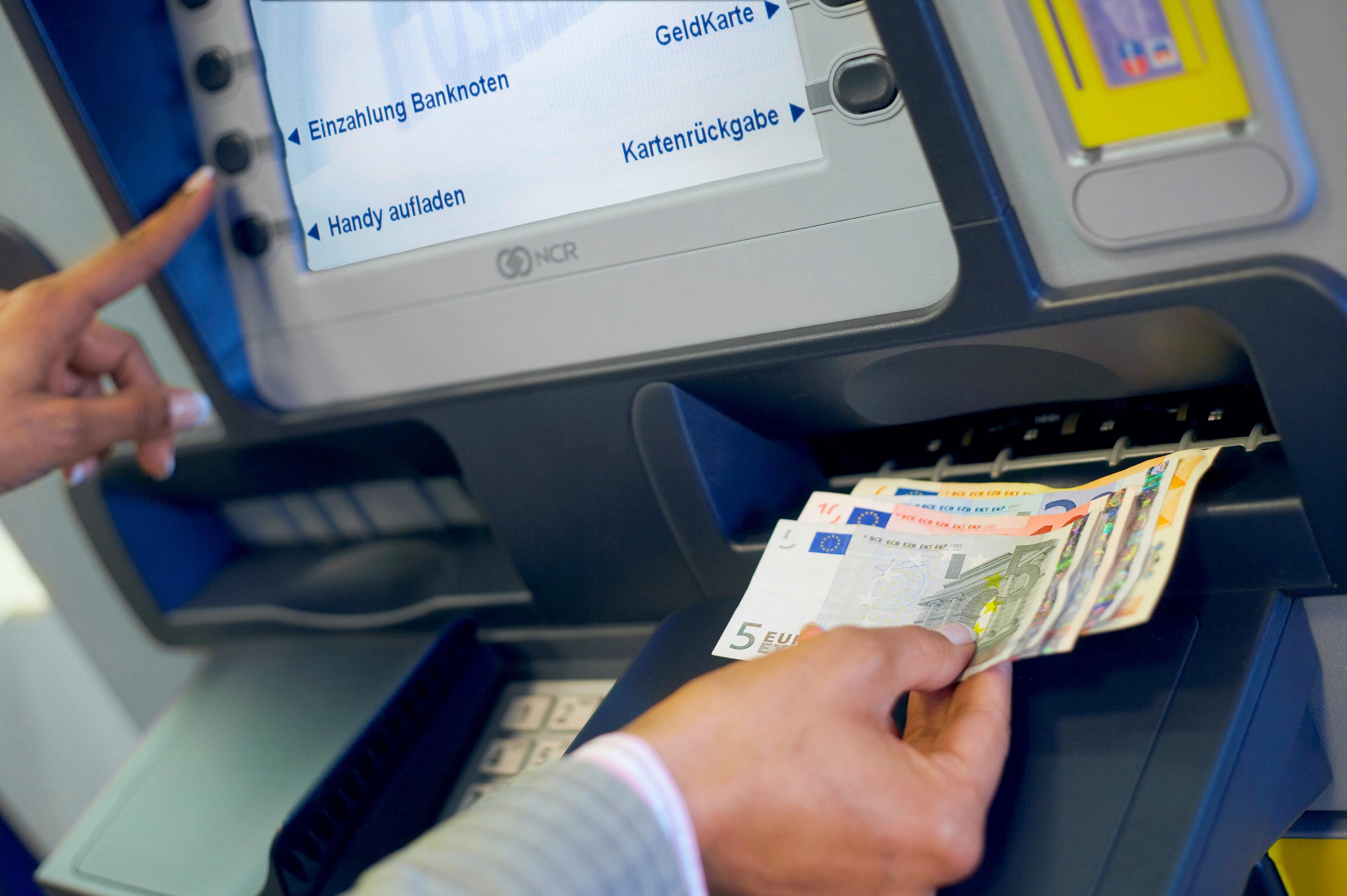 Postbank Einzahlungsautomat Standorte Und Funktionsweise Der Sb Automaten