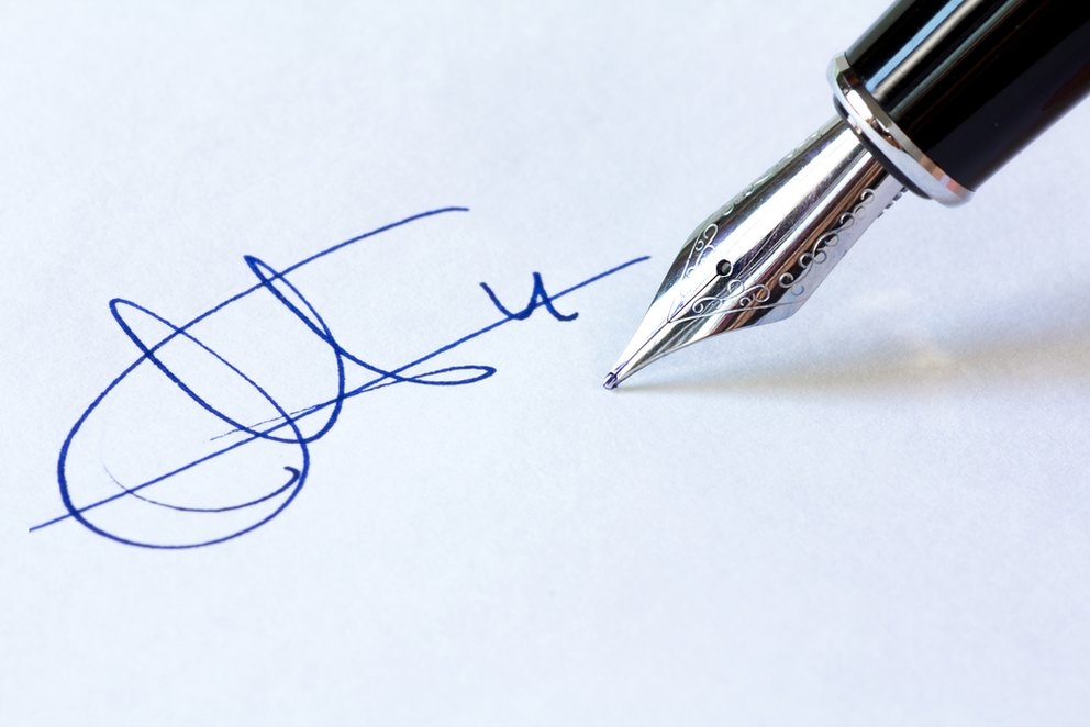 Bewerbung Unterschrift Braucht Man Sie Online Und Wie Geht Das