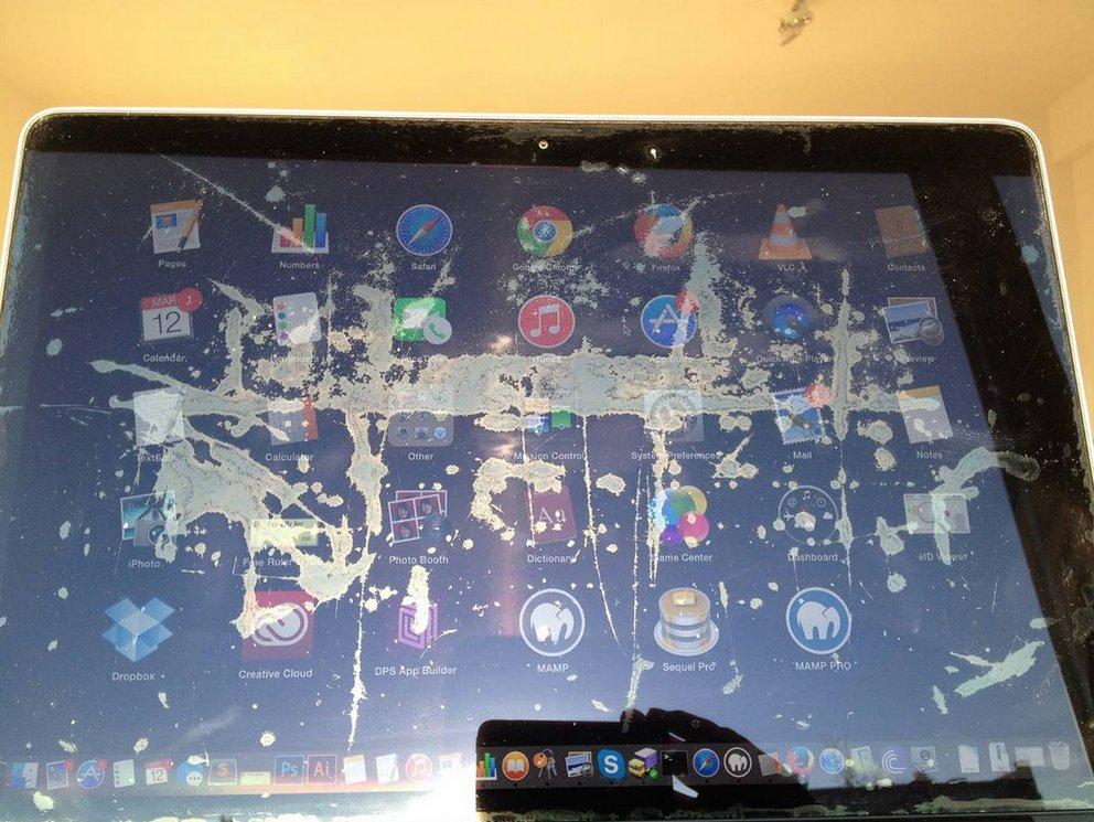 """""""Staingate"""": Retina-MacBook-Pro-Benutzer beklagen sich über Display-Flecken"""