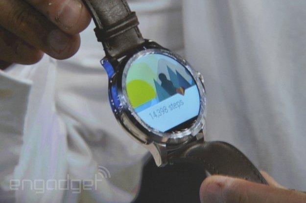 Fossil & Intel: Android Wear-Smartwatch mit rundem Display und weitere Wearables angekündigt