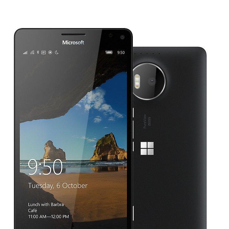 Das Lumia 950 XL ist etwas größer als das Lumia 950 mit leicht verbesserter Hardware.