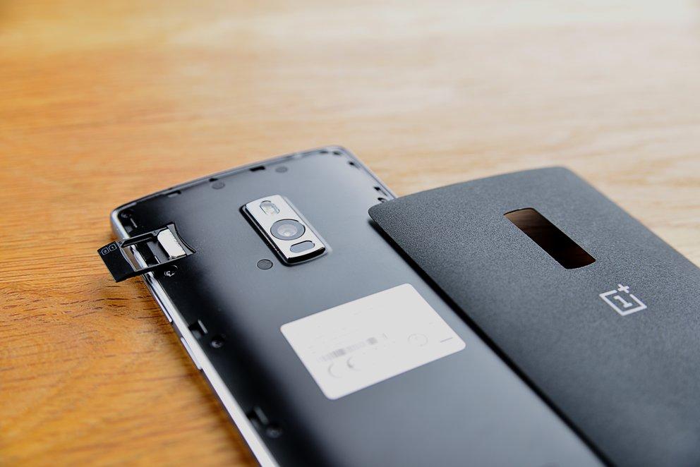 OnePlus-2-SIM-Schlitten2-q_GIGA