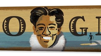 Duke Kahanamoku: Ein Brett für den Father of Surfing - Google-Doodle zum 125. Geburtstag