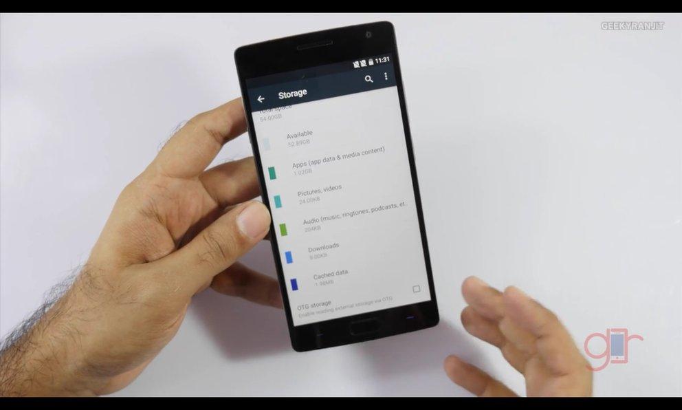Das OnePlus Two kommt entgegen der Meldung doch mit OTG-Unterstützung. (BQ: Geekyranjit, via reddit)