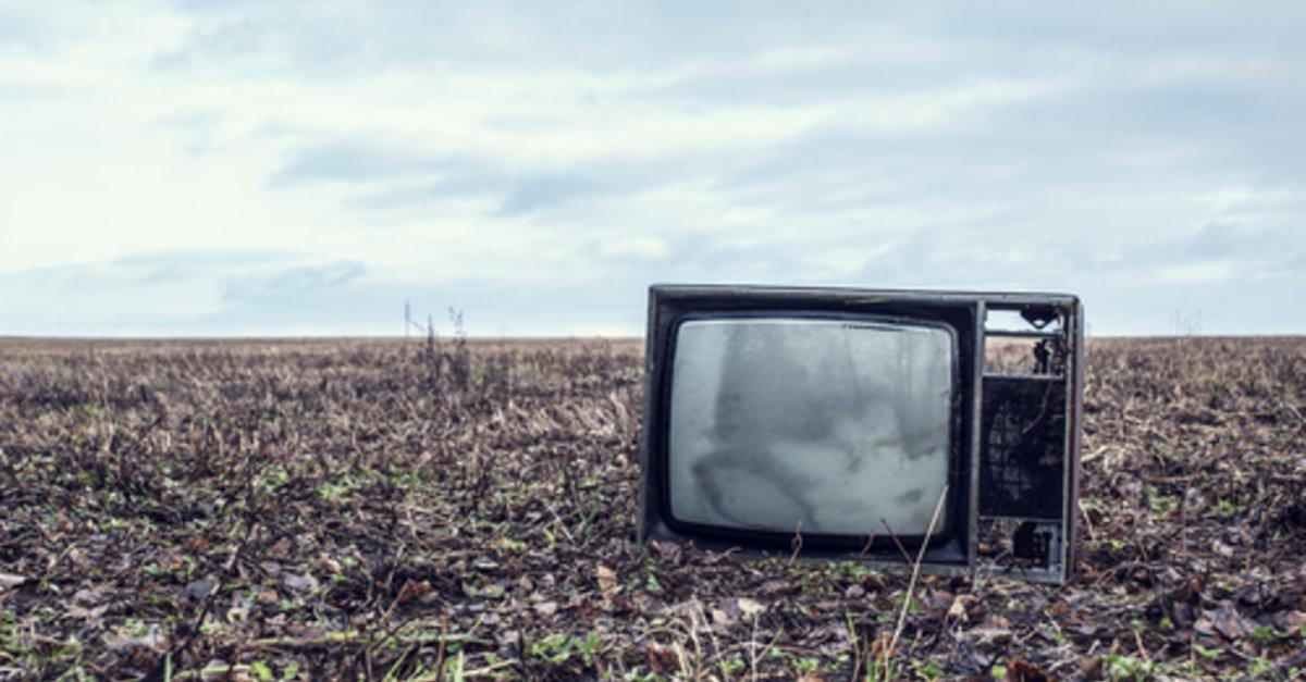 fernseher entsorgen wohin mit dem alten tv ger t giga. Black Bedroom Furniture Sets. Home Design Ideas