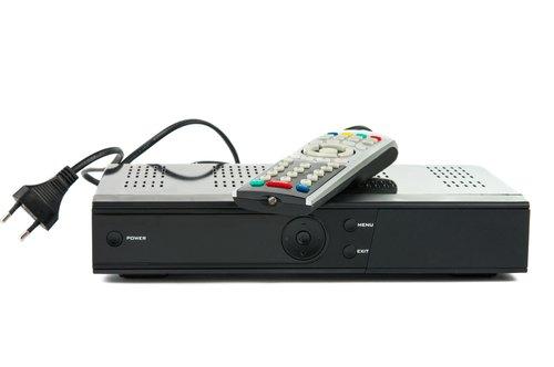 receiver anschlie en welche kabel braucht man giga. Black Bedroom Furniture Sets. Home Design Ideas