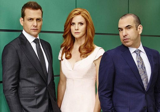 Suits-Charaktere: Harvey, Donna und Louis. Bildquelle: USA Network