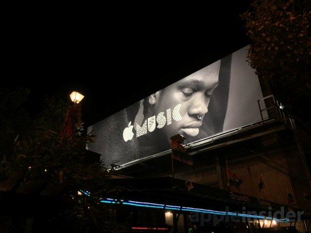 Apple bewirbt Apple Watch und Apple Music mit großen Plakaten