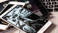 Betthupferl: Du bist nicht allein, wenn du siehst auf das Smartphone