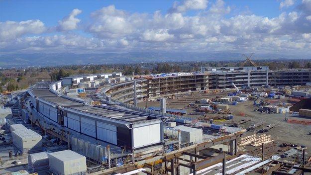Campus 2: Neue Luftaufnahmen zeigen Installation der Glasscheiben