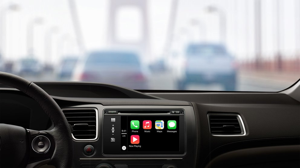 Apple CarPlay Dashboard wide