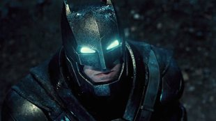 Neues Rating für Batman V Superman: Wandelt Batman auf Deadpools Spuren?
