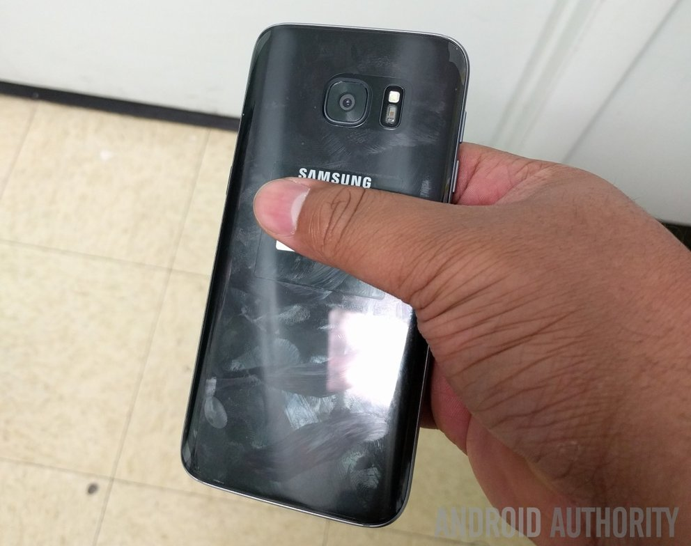 samsung-galaxy-s7-hands-on-leak-17-2-2016-rueckseite
