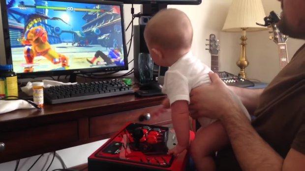 Street Fighter 5: 6 Monate altes Baby schafft Birdies Storymodus