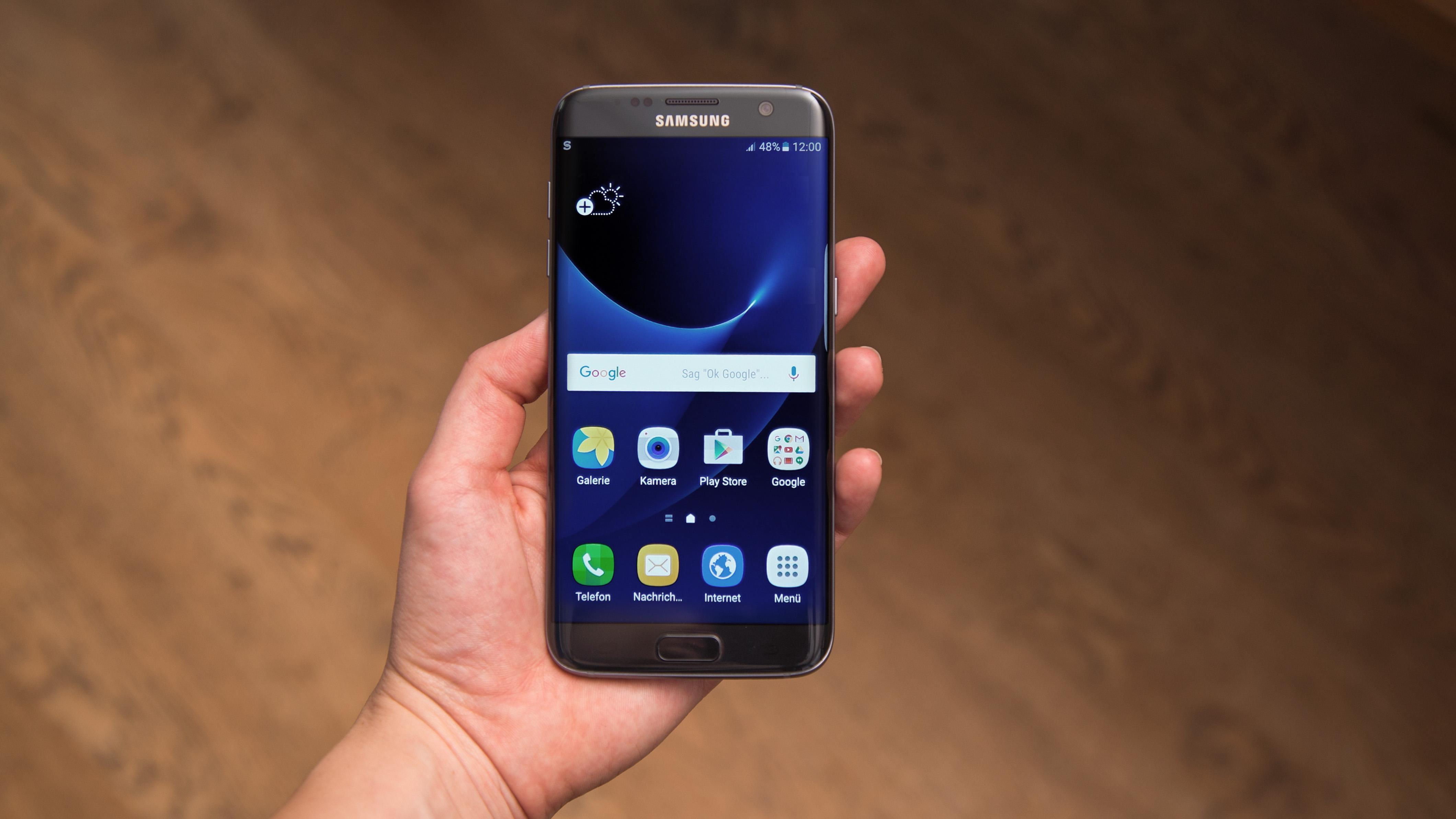 Samsung Galaxy S7 Edge Test Displaybogen überspannt