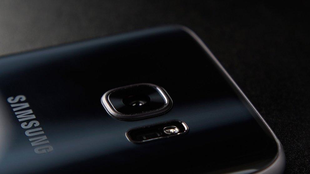 Die Galaxy-S7-Generation verfügt noch über eine einzelne Kameralinse.