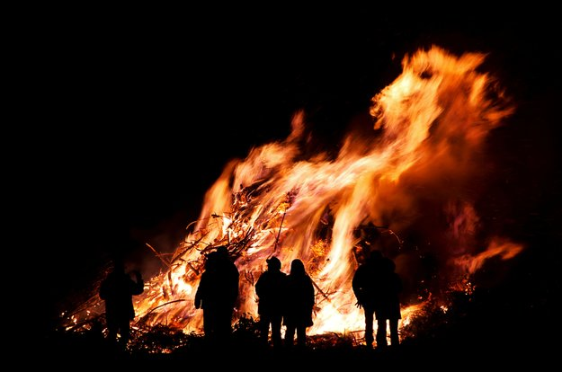 Osterfeuer: Bedeutung der Tradition