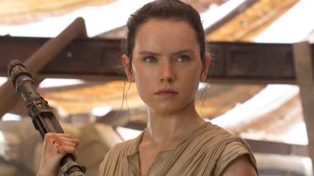 Star Wars 7 Schauspielerin Daisy Ridley Spricht über Reys Herkunft