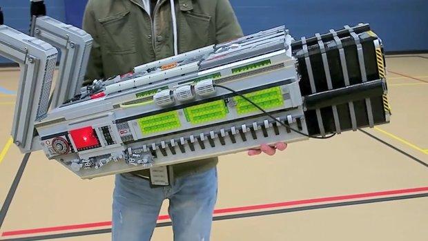 Doom: Spieler baut die legendäre BFG mit LEGO nach