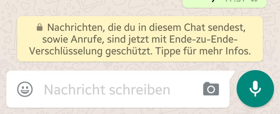 WhatsApp zeigt in Chats diesen Hinweis zur Ende-zu-Ende-Verschlüsselung an.