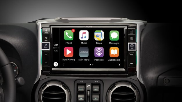 Alpine zeigt 9-Zoll-CarPlay-Display für 2.500 Dollar