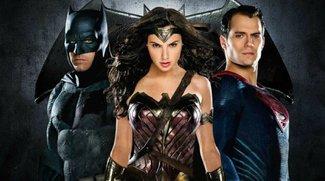 Batman v Superman: Jeremy Irons lässt kein gutes Haar am Superhelden-Duell