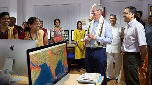 Tim Cook spricht im indischen Fernsehen über gebrauchte iPhones, Apple Stores und LTE