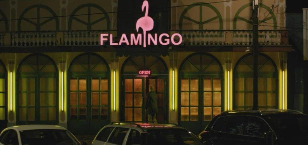 flamingo zocker kneipe in oma zockt sie alle ab
