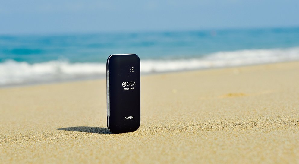 powerbank-giga-essentials-seven-meer