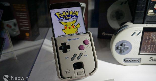 Dieses Case macht dein Smartphone zum vollwertigen Game Boy