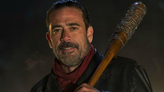 The Walking Dead Staffel 7: Negans Baseballschläger hat 11 Opfer - Wie die Macher ihr größtes Geheimnis hüten