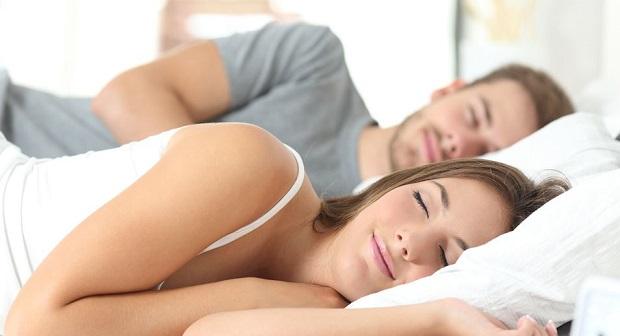 wie viel schlaf braucht man die berraschende antwort auf eine leichte frage giga. Black Bedroom Furniture Sets. Home Design Ideas