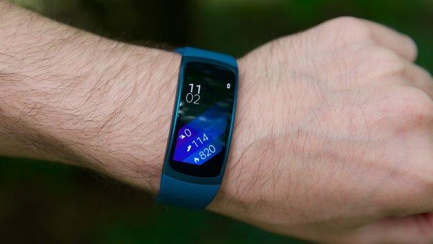 Samsung Gear Fit 2 im Test: Etwas zwischen Fitnessarmband und Smartwatch