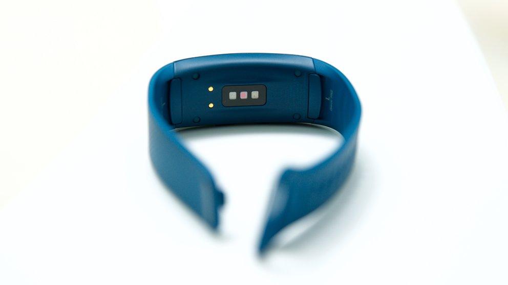 Samsung-Gear-Fit2_11