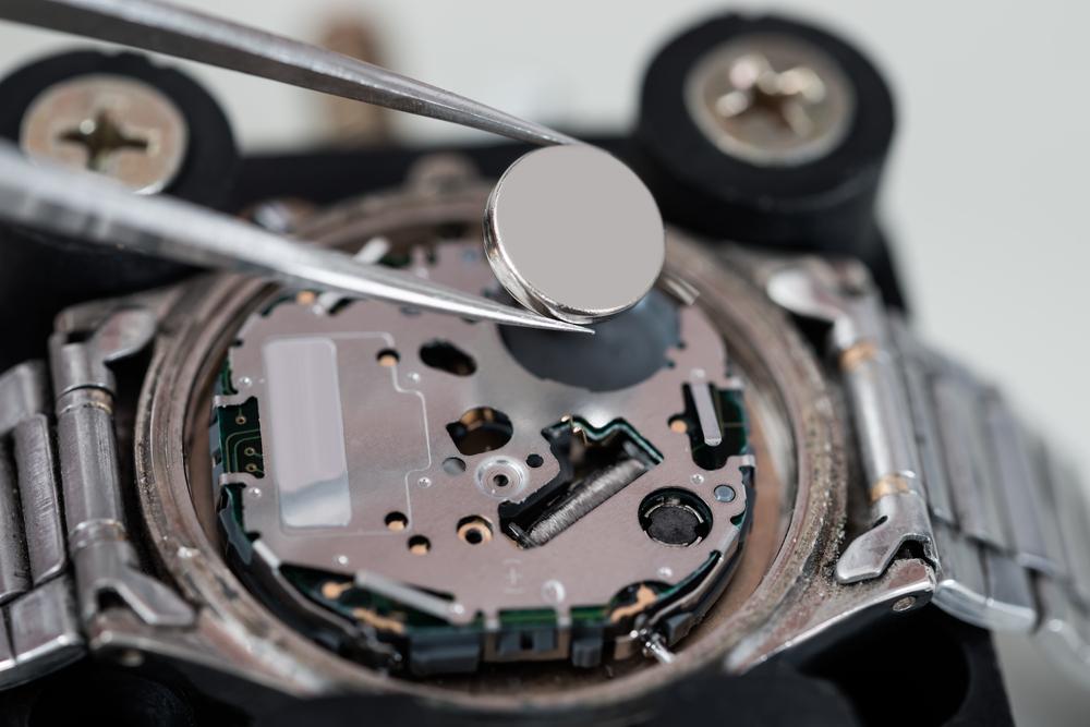Uhr Batterie wechseln: Tipps und Tricks zum Knopfzellen Tausch