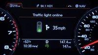 Audi: Grüne Welle für Fahrzeuge durch Kommunikation mit Ampeln