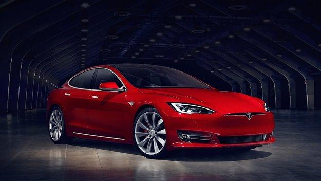 Tesla: Autopilot soll durch Radar sicherer werden