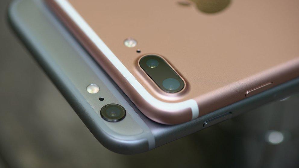 iPhone 6s Plus (unten) vs. iPhone 7 Plus (oben)