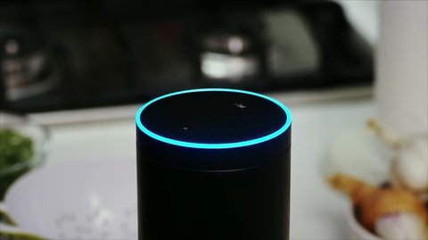 Video-Bild: amazon-echo-alexa-voice-service-amazon.de-4813.mp4 (1)