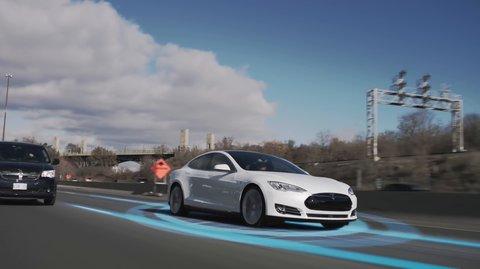 Tesla verbietet Taxifahrern den neuen Autopiloten zu aktivieren