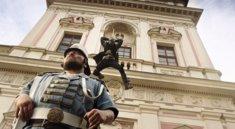 Dishonored 2: Cooler Live-Action-Trailer bringt Corvo und Emily in die reale Welt