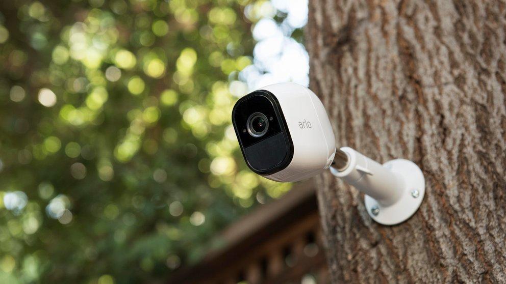 Netgear Arlo Pro: Die Einbrecher vor dem Haus in die Flucht schreien