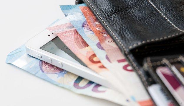 Handyvertrag abschließen ohne Reue: Wir erklären, worauf du achten musst